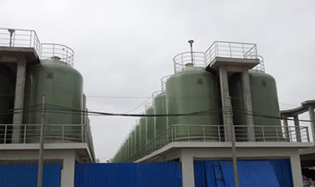 Several FRP storage tanks for fermenting and storing soy sauce