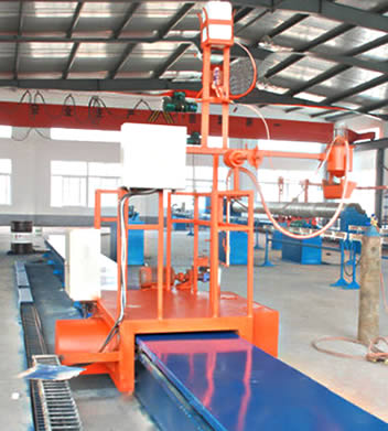 An orange liner making machine for producing FRP pipe lines.