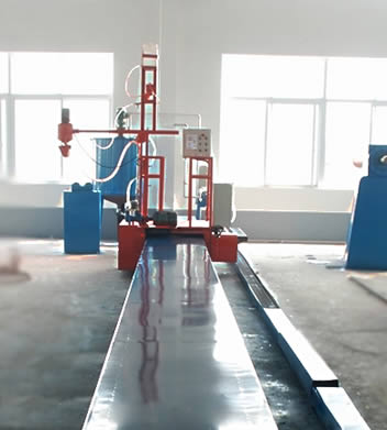 A red liner making machine equipped with Taida PLC device allows for accurate control.